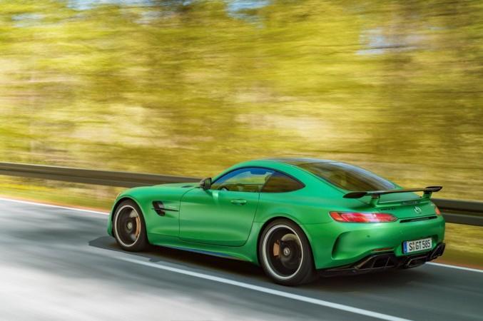 Nuova AMG GT R: l'Inferno Verde di Mercedes, una supersportiva da 585 cavalli