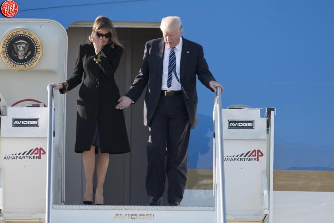 Donald Trump a Roma, Melania rifiuta ancora di dargli la mano