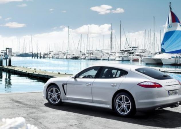Porsche Panamera Diesel: 'dolcemente viaggiare, rallentando per poi accelerare'
