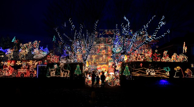 Le luci della solidarietà illuminano il Natale del Wiltshire