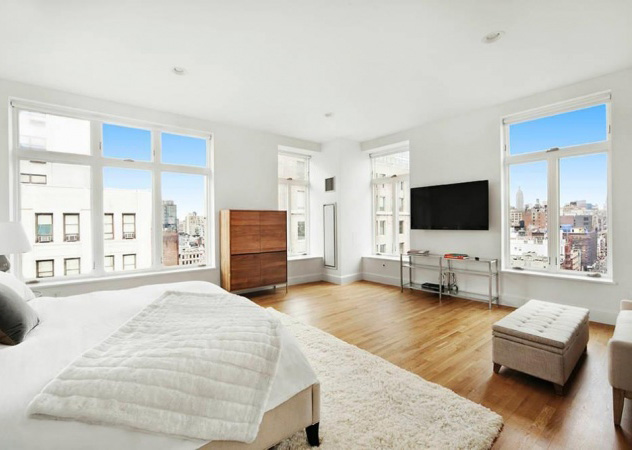 Cabine Armadio Enormi : Rihanna trasforma tre camere da letto dellattico newyorkese in un